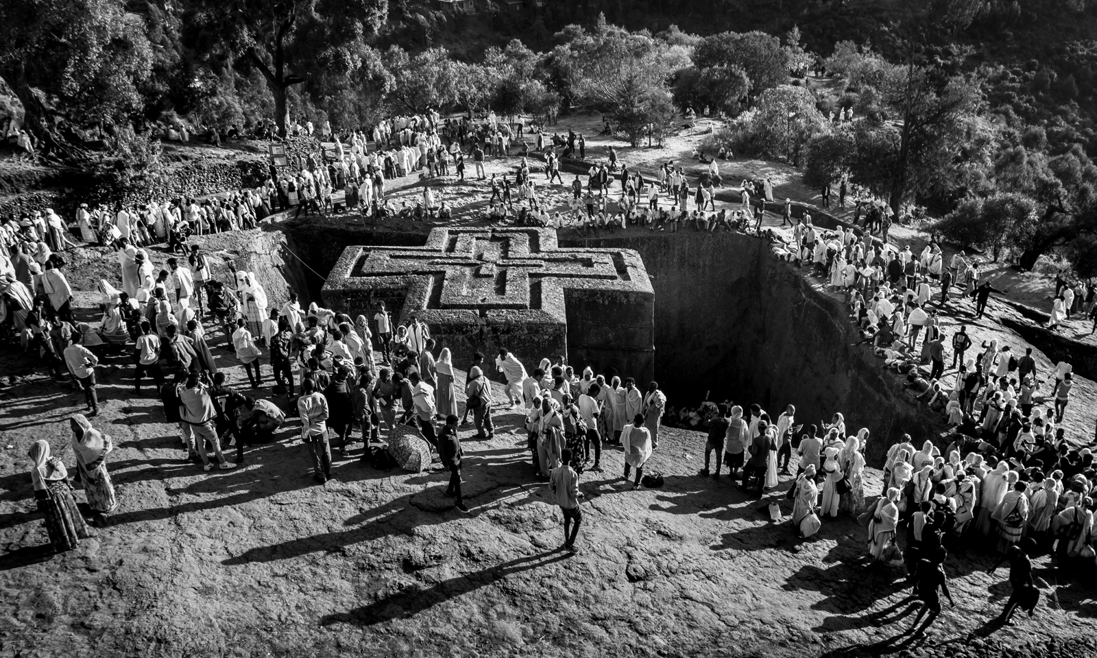 70000-worshippers-descend-on-the-holy-city-of-Lalibela-Ethiopia-at-Christmas-JA-Best-in-Show-by-Tamara-Krautkramer-SR