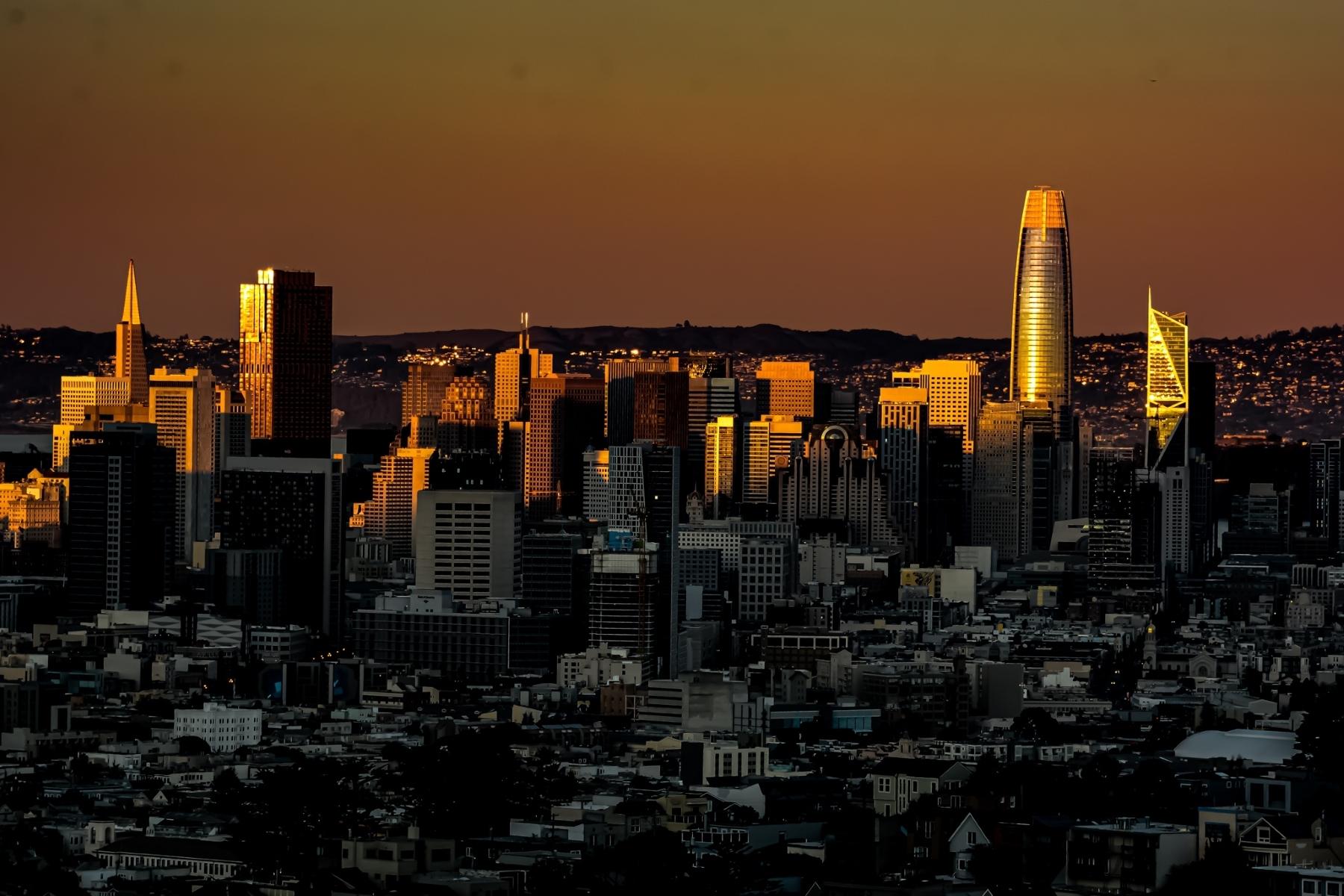 Sunlight-gradually-fades-over-the-SF-skyline-PB-1-Place-by-Herb-Deitz-ML