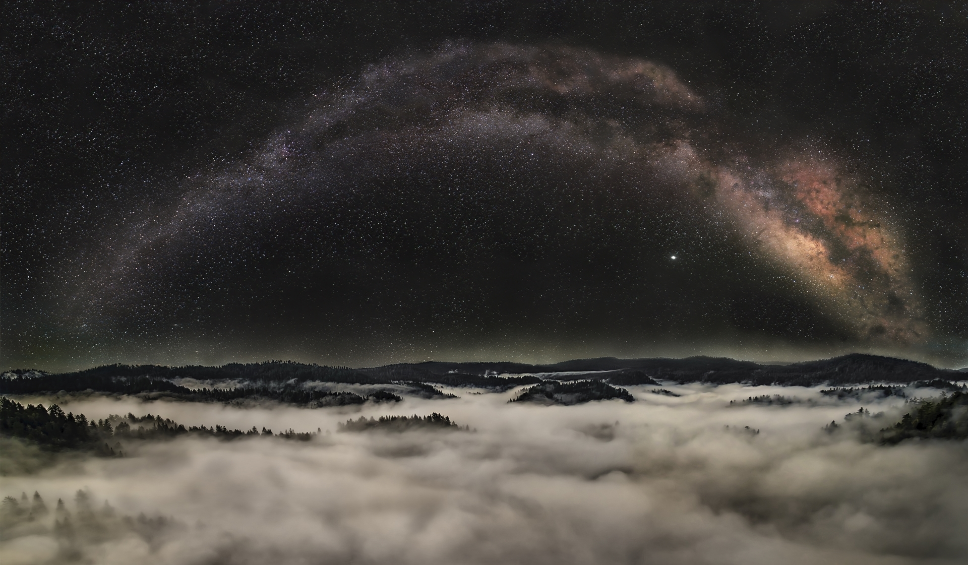 Milky-way-above-the-clouds.-PI-1-Place-by-Steve-Gibbs-SR